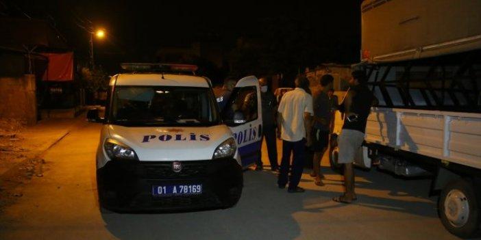Adana'da evden bilgisayar çaldı! Sahibi hırsızı sokakta yakaladı