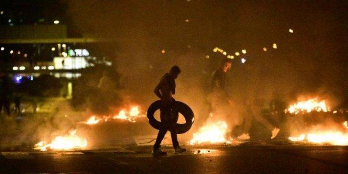 Kur'an-ı Kerim yakıldı ülke ateşe verildi! Sokaklar savaş alanına döndü