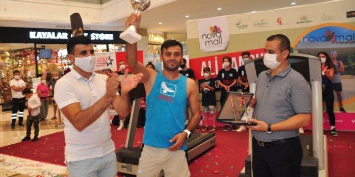 Ultra maratoncu Ali Kansu rekor için koştu! 24 saatte 213,7 kilometre