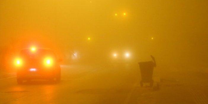 Adana'da sis hayatı olumsuz etkiledi
