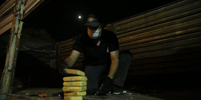 Kocaeli'nde uyuşturucu operasyonu! TIR'ın dorsesinde 132 kilo eroin bulundu