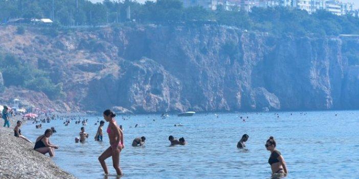 Akdeniz'i cehennem sıcaklarını kavuracak! Antalya'yı nem bulutları kapladı