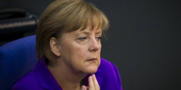 Merkel'den Navalnıy hakkında flaş iddia