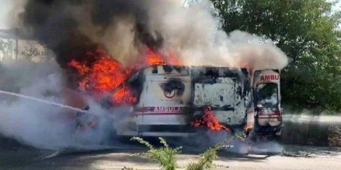 Uşak'ta kalp hastasını taşıyan ambulans alev aldı