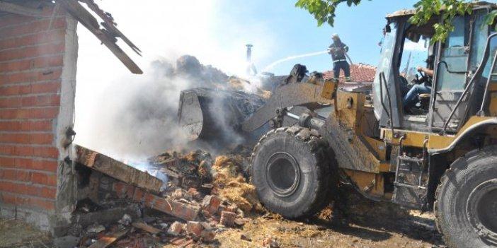 Fareler yangın çıkardı, 200 bin lira yandı