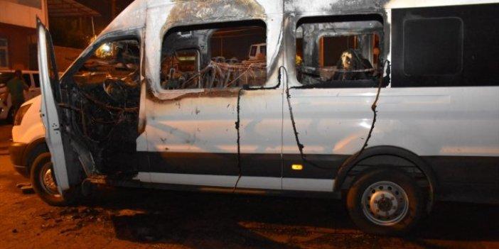 Diyarbakır'da zabıta servis aracı yakıldı