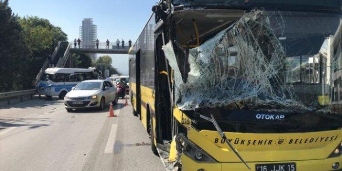 Halk otobüsü yolcu minibüsüne çarptı: 10 yaralı