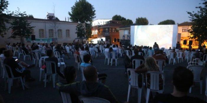 Adalılar açık havada sinema ile buluştu