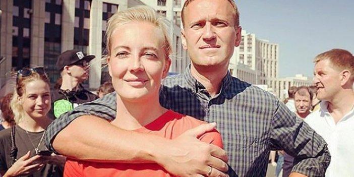 Almanya'da tedavi altına alınan Navalni'ni komadan çıktı