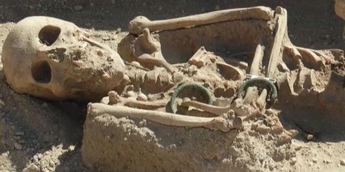 20-25 yaşlarında soylu bir kadın: Ejder başlı bilezikleriyle böyle bulundu