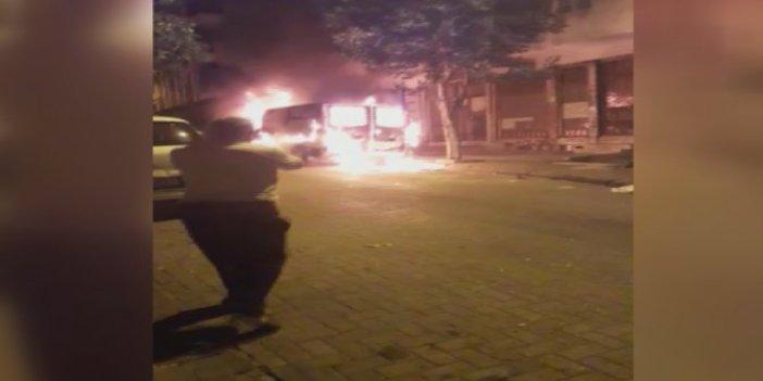 Güngören'de park halindeki panelvan minibüs sokak ortasında alev alev yandı