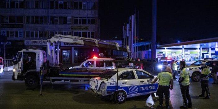 Ankara'da otomobilin sıkıştırdığı polis aracı kaza yaptı! 2 polis yaralı