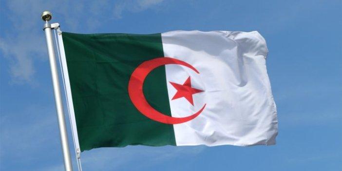 Cezayir'de anayasa değişiyor