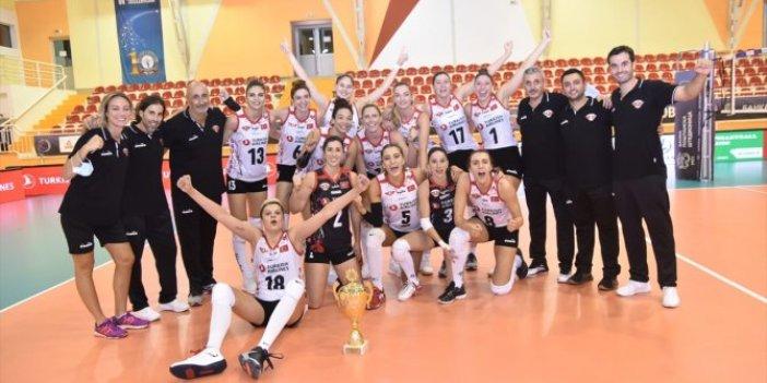 Kadınlar Balkan Kupası'nın şampiyonu Türk Hava Yolları oldu