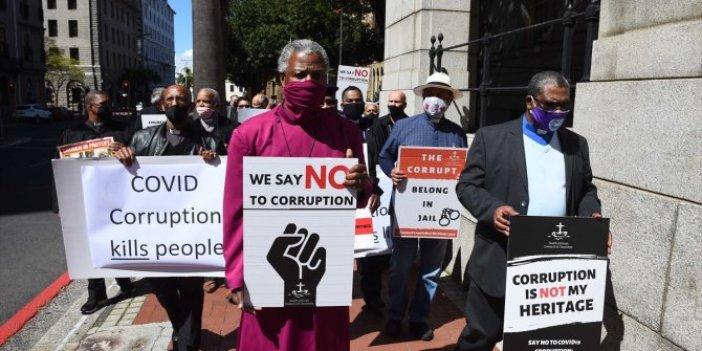 Güney Afrika'da hükümet protesto edildi