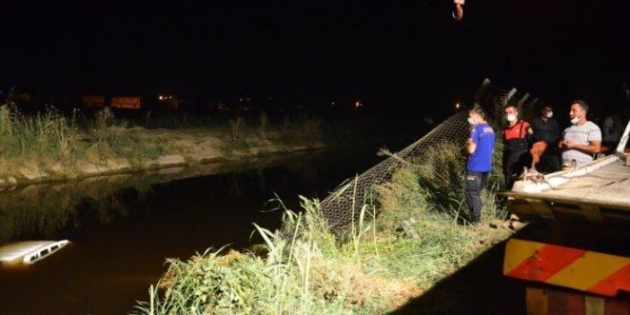 Aydın'da  kamyonet sulama kanalına devrildi! İki yaralı