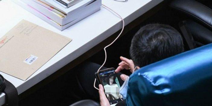 Milletvekili Meclis'te cinsel içerikli film izlerken yakalandı!