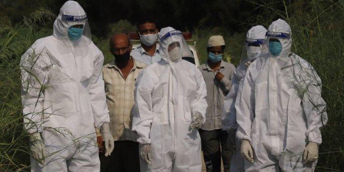 Hindistan'da bir günde 1174 kişi korona virüsten öldü