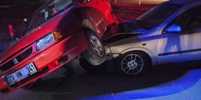 Aydın'da 2 otomobilin çarpıştı! Otomobil böyle durabildi