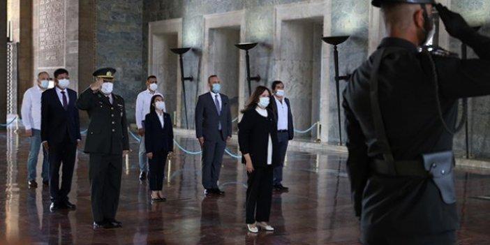 İYİ Parti heyetinden kurultay öncesi Anıtkabir ziyareti