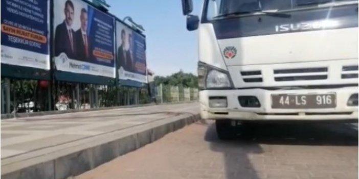 AKP'li belediyeler arasında billboard krizi