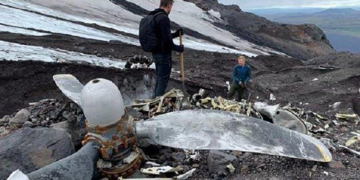 Buzların arasından savaş uçağı çıktı! Doğa yürüyüşçüleri buldu