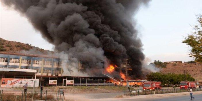 Tokat'ta bir AVM'de korkutan yangın