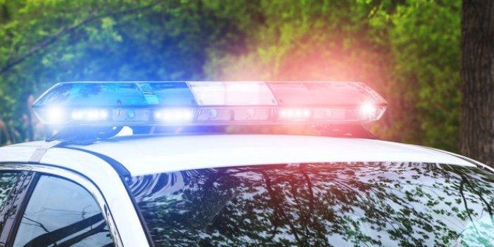 Kadın polis ekip otosunda basıldı.Yer yerinden oynadı. Meslekten ihraç edildi