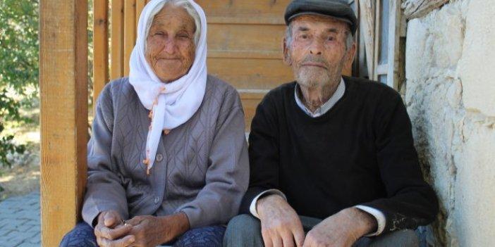 Yırtık lastik ayakkabılarıyla Türkiye'yi ağlata Ermenek maden şehidinin babası koronadan öldü. Kahreden haber