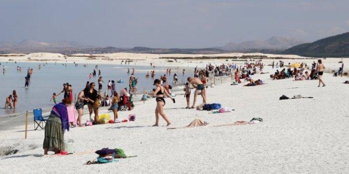 Yaz bitti Salda Gölü'ne girilmesi yasaklanıyor. Geçti Bor'un pazarı sür eşeği Niğde'ye misali