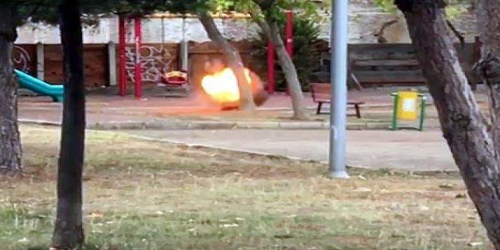 Parkta tedirginliğe yol açan çanta, fünye ile patlatıldı