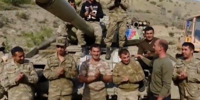 Ermeni tankını ele geçiren Azerbaycan askerinden muhteşem zafer şarkısı. İzlerken gözleriniz dolacak