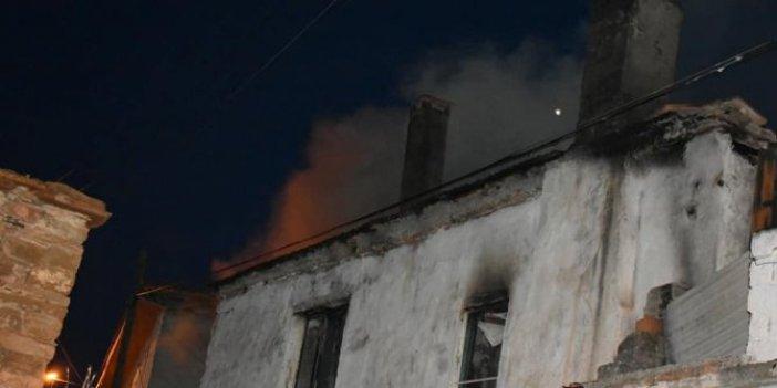 Aydın'da alevli gece! Ahşap evde çıkan yangında 3 kişi yaralandı