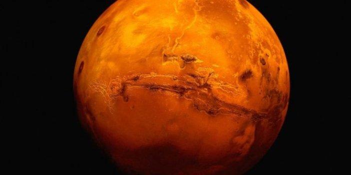 Bilim dünyası Mars ile ilgili haberi duyurdu. 15 yıl sonra beklenen oluyor. Çıplak gözle izlenebilecek