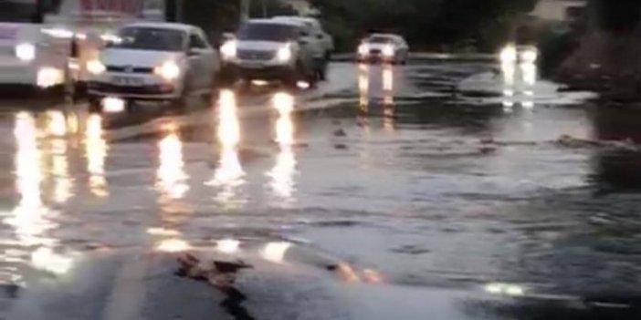 Bodrum'da içme suyu şebekesi bomba gibi patladı! Ev ve iş yerlerini su bastı
