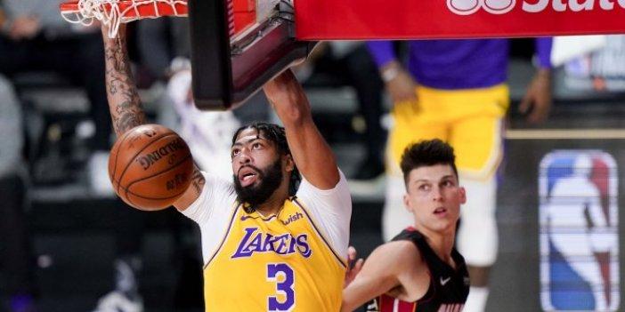 Lakers şampiyonluğa koşuyor