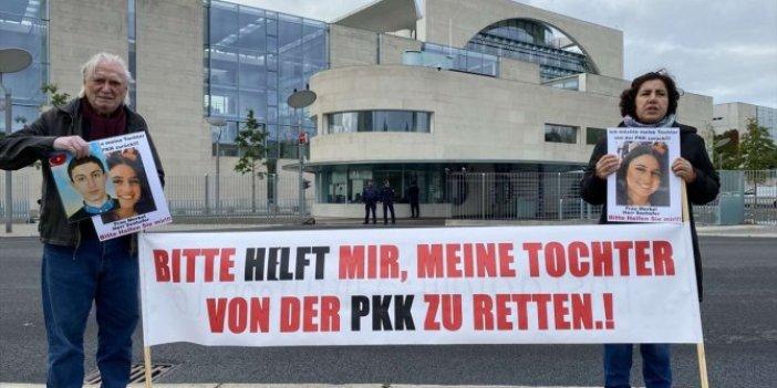 Almanya'da kızı PKK tarafından kaçırılan anneden başbakanlık önünde protesto eylemi