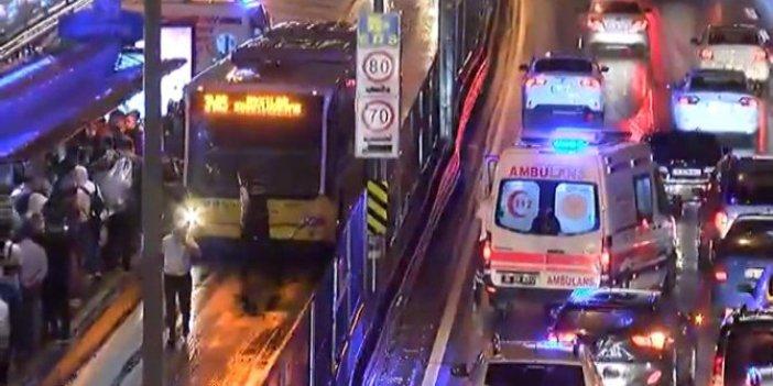 Merter'de metrobüs kazası. Trafik felç oldu