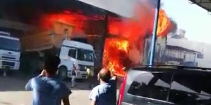 Mersin'de 4 işyeri cayır cayır yandı