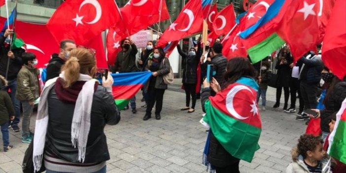 Almanya'da yaşayan Türklerden Azerbaycan'a destek mitingi