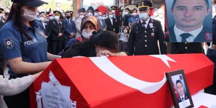 Şehit Astsubay Emre Dokumacı'nın cenazesinde acı detay. Bir ay sonra evlenmeyi planlıyordu, nişanlısının gözyaşları yürekleri dağladı