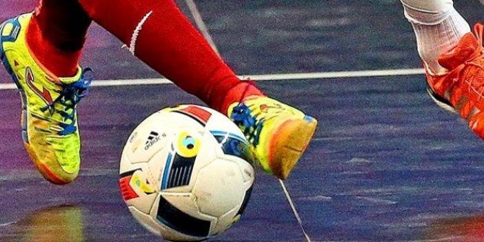 Futsal nedir? Futsal nasıl oynanılır? Futsal takımında kaç oyuncu vardır?  Futsal sahasının ölçüleri nedir? İşte Futsal hakkında detaylar