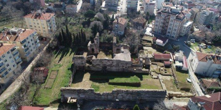 Sinop'u kazdıkça toprak altından çıkıyor.  İlk kez görüldü. Prof. Dr. Gülgün Köroğlu şaşkına döndü