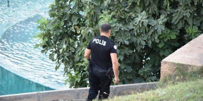 Ayakkabısız ve kelepçeli kaçış. Polisler alarma geçti. Antalya'da nefesler tutuldu.