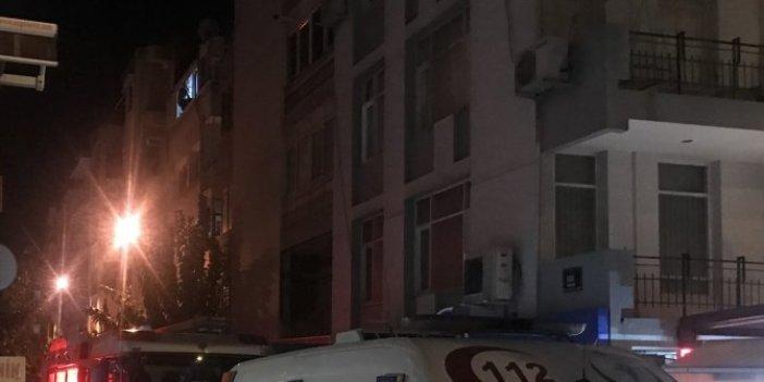 İzmir'de cezaevi firarisi pencerede yakalandı! Sarkarak polise dirense de çabaları boşa çıktı