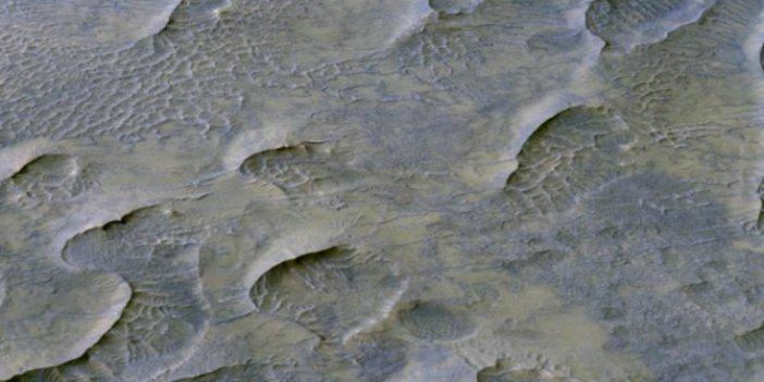 Mars'tan yeni görüntüler geldi. 1 milyar yıl önce oluşmuş