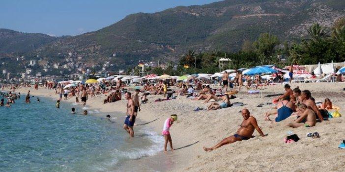 Alanya'da sahiller Ekim'de de boş kalmadı
