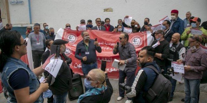 Tunus'ta sanatçılardan korona protestosu
