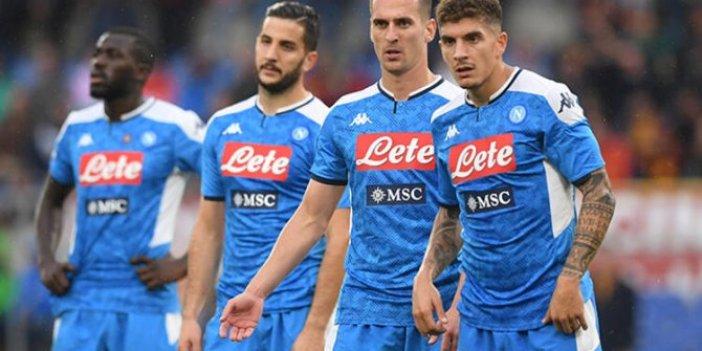 Maç saatinde sahada olmadılar. Napoli hükmen yenik sayıldı
