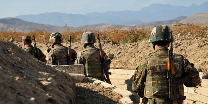 Ermeni askerler arkalarına bile bakmadan kaçıyor. Büyük şok